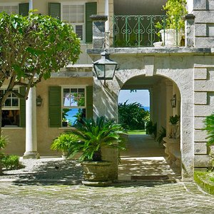 Colonial style luxury mansion on beach location in Barbados