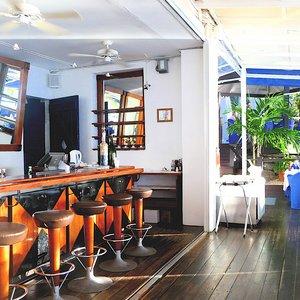 ... Chic Modern Caribbean Beach Bar Patina Plantation Dining Room ...