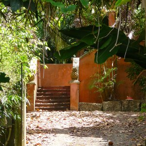 Plantation house in lush Barbados garden as photo location